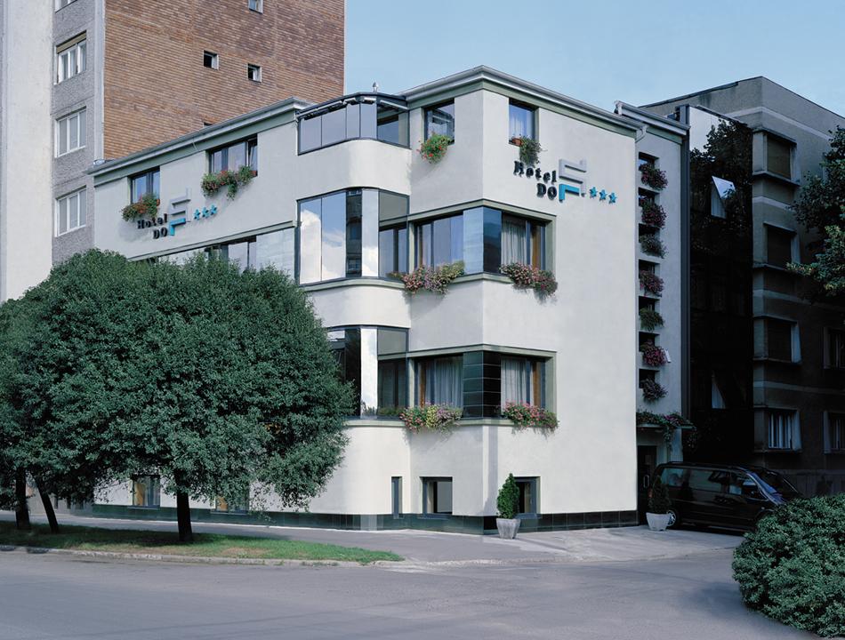 hotel stil exterior view